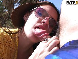 Порно оргия на пляже