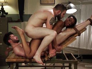Порно видео онлайн оргии